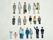 SPUR TT, 100 stehende / sitzende Figuren 1:120 (!)